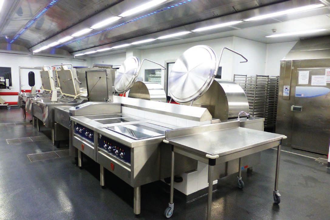 Une cuisine centrale moderne et ergonomique grandes cuisines - Definition d une cuisine centrale ...