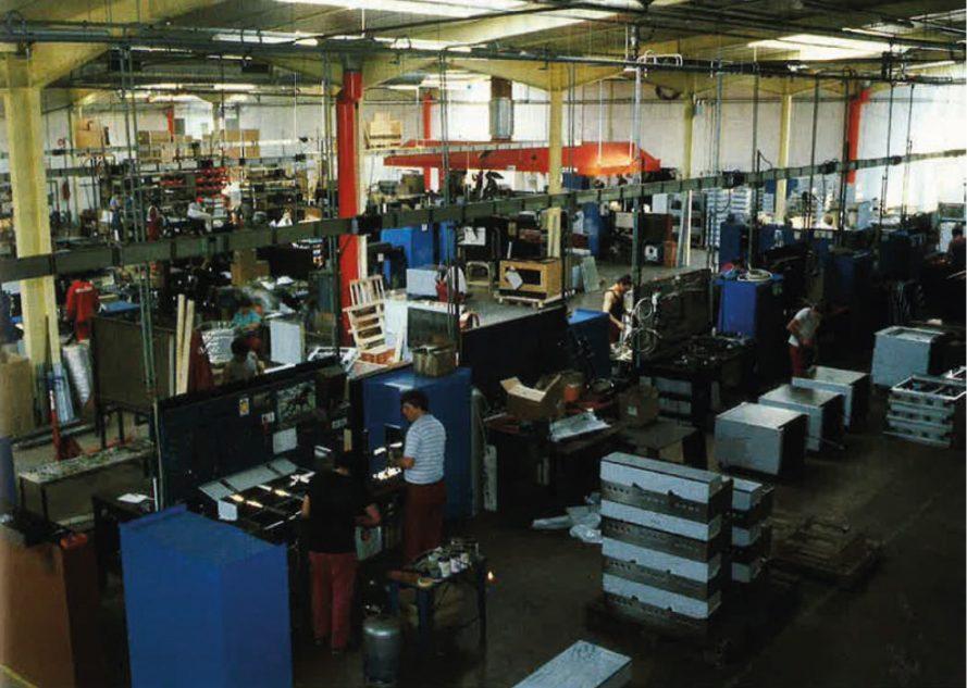1988 - Vue générale des ateliers de Morice Traitogaz qui s'étendent sur 10 000m2